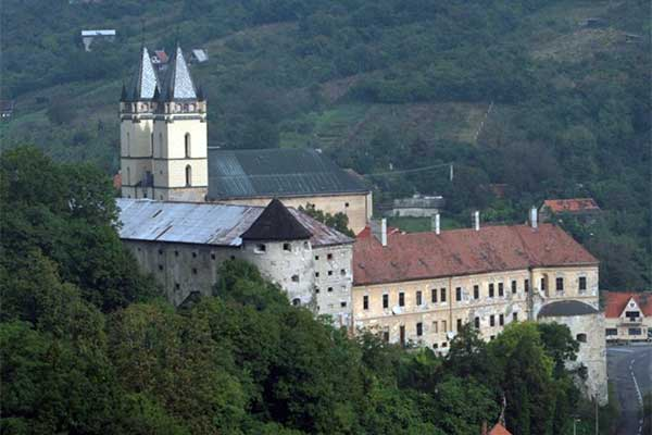 Garamszentbenedek - bencés kolostor és templom