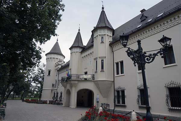 Nagykároly - Károlyi-kastély