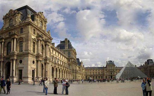 Párizs - Louvre