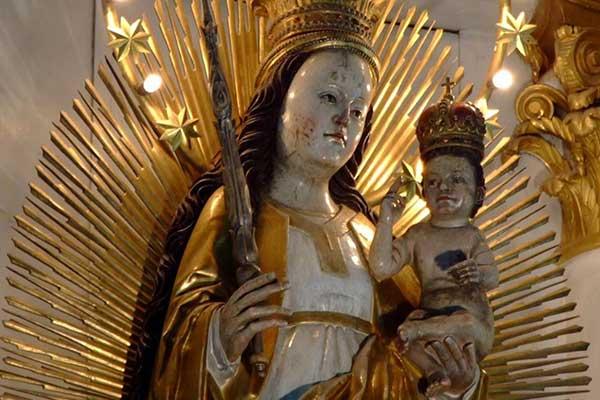 19-Csíksomlyó ferencesek kegytemploma, csodatévő Szűz Mária