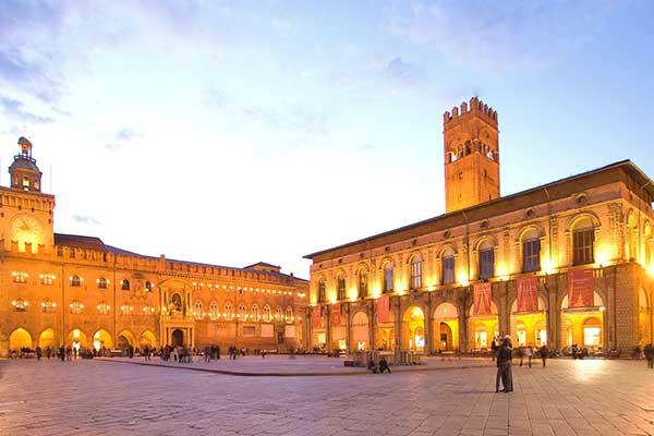 02-Bologna Piazza Maggiore