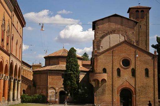 04-Bologna Santo Stefano templom