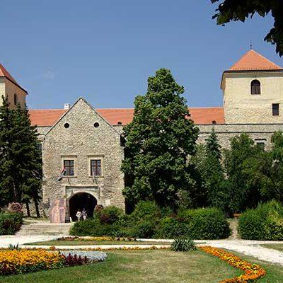 bakonyi_kalandozas_1-Varpalota,_Thury_Castle-600x400w