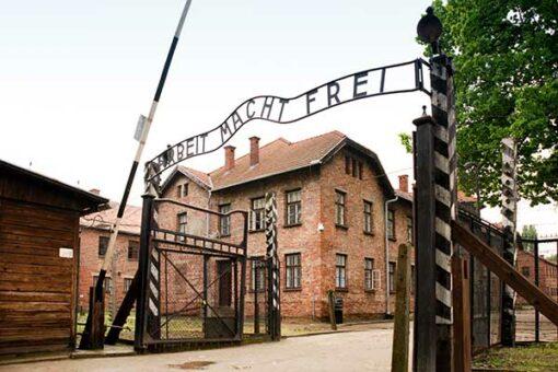 Auschwitz01-600x400w
